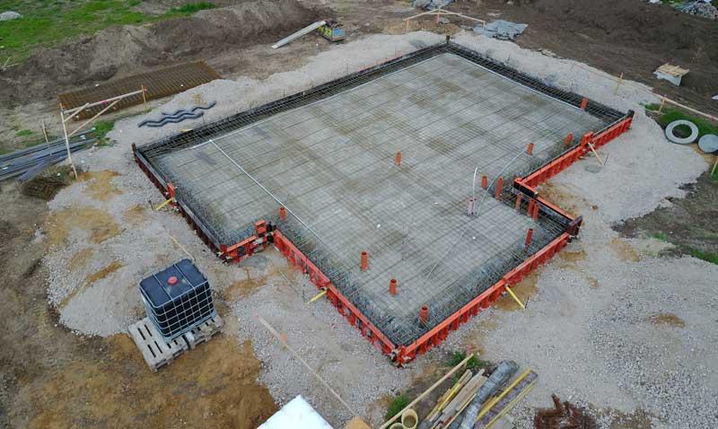 Hausbau - Einschalung Bodenplatte